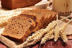 se puede comer pan integral en una dieta